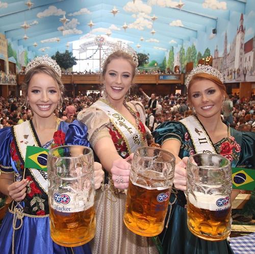 Maior festa alemã das Américas: 36ª Oktoberfest inicia em Blumenau