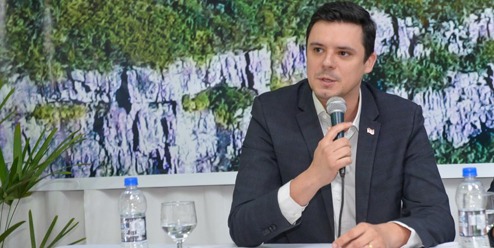 Secretário de Comunicação de SC destaca avanços do turismo catarinense no 36º Congresso Nacional da ABRAJET