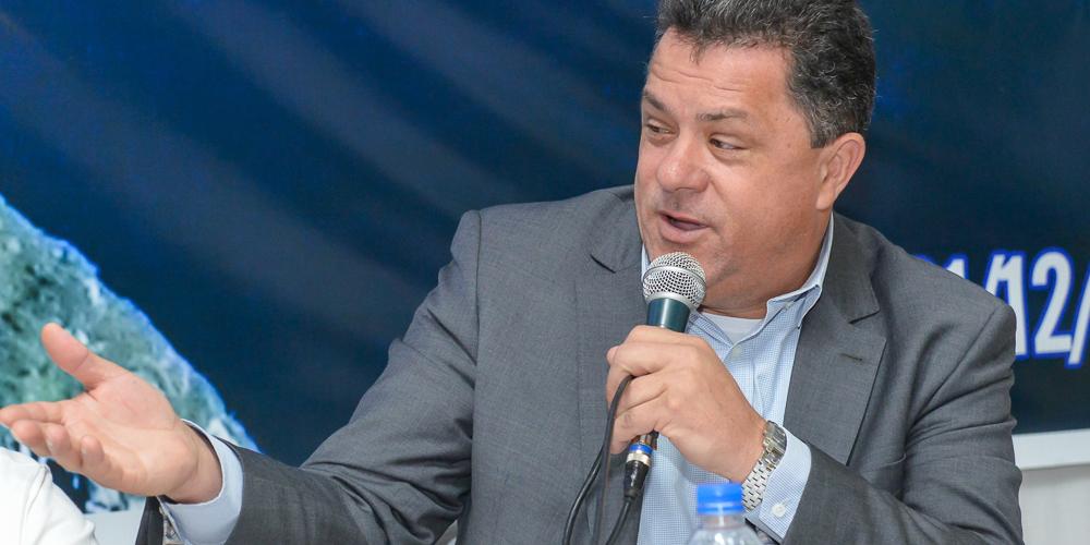 Presidente da Comissão de Turismo da Alesc, foi um dos palestrantes do 36º Congresso Nacional da ABRAJET