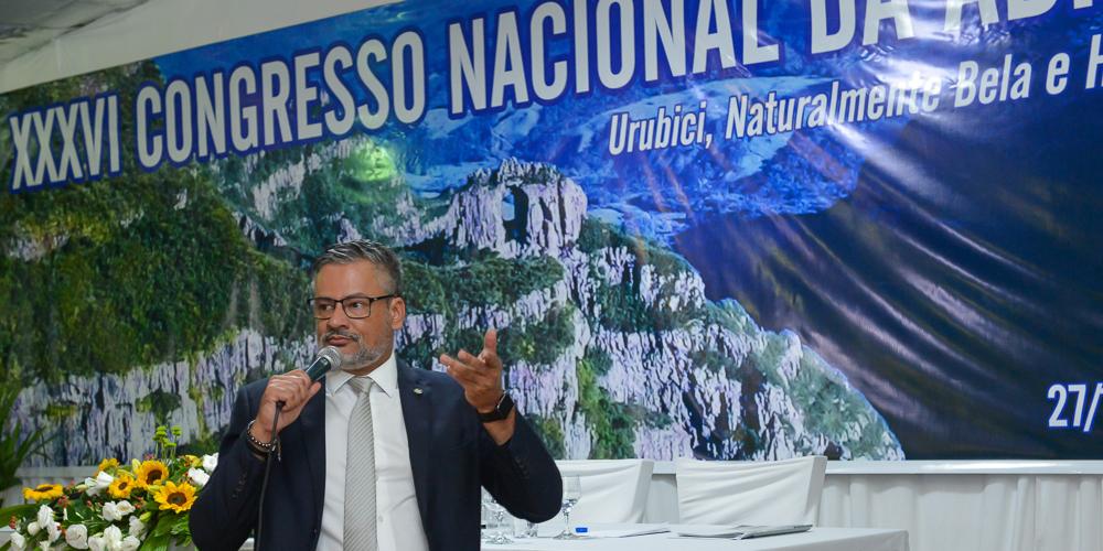 Bob Santos palestrou para Jornalistas e o Trade Turístico da Serra Catarinense